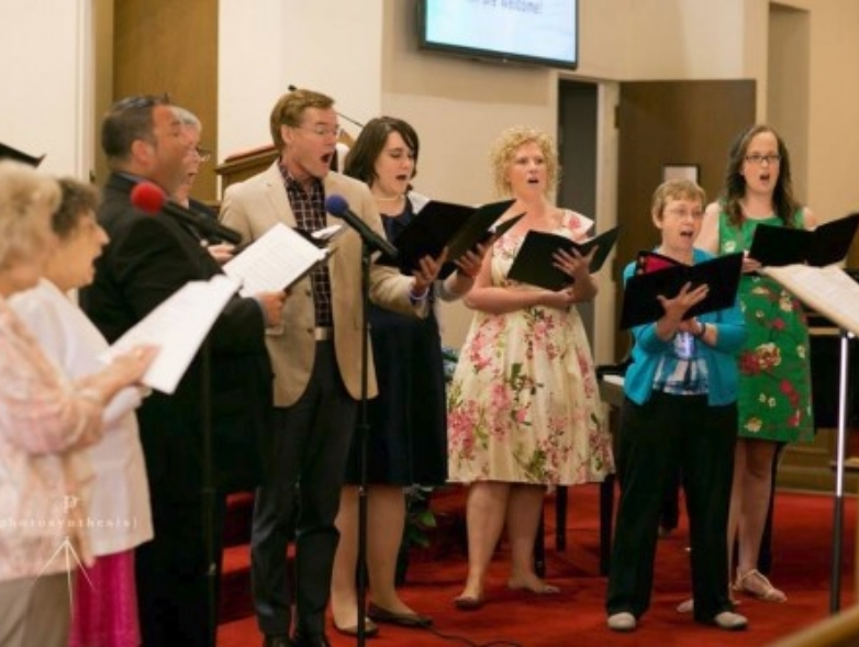 FCC-music-choir-grp-singings-for-easter-w500-o